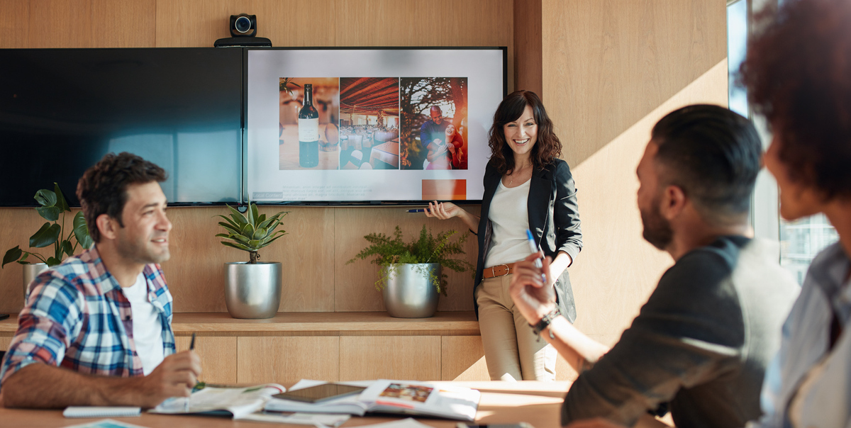 7 Amazing Sales Presentation Examples (And How to Make Them Your Own)