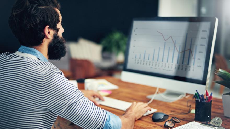 Top Sales Statistics & Takeaways to Sell Smarter in 2020